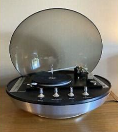 Domed spaceship turntable